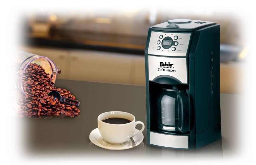 آماده کرده قهوه با قهوه ساز فکر Cafe Passion
