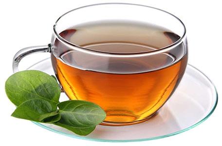 نوشیدن یک لیوان چای گرم با فلاسک دلمونتی dl1460