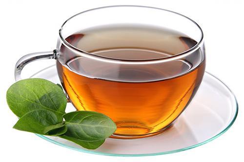 یک لیوان چای خوش رنگ با چای ساز dl440